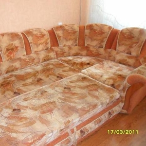 Продам угловой диван,  б/у,  в отличном состоянии.