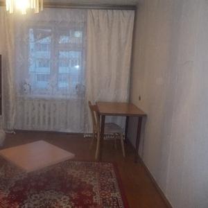 Сдам комнату в 3-х комнатной квартире .